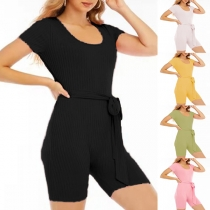 Einfacher Dehnbarer Body mit Kurzen Ärmeln U-Ausschnitt Volltonfarbe und Hüftband für Sport und Yoga