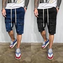 Knielange Jeans-Shorts für Herren mit Tunnelzug in der Taille und Seitlichentaschen