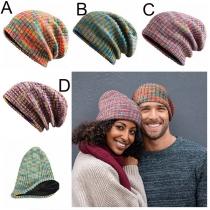 Moderne Strickmützen für Paare in Gemischten Farben