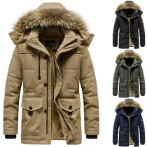Moderne Gepolsterte Jacke für Herren in Volltonfarbe mit Kapuze mit Kunstpelz und Plüschfutter