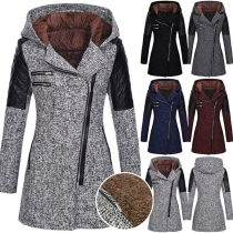 Moderner Mantel mit Langen Ärmeln Schrägem Reißverschluss Kapuze und Schlanker Passform