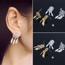 Ein Paar böhmischer Stil Federanhänger Ohrringe aus Legierung