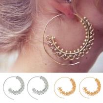 Ohrringe aus Aluminium mit Pompösem Gedrehtem Design