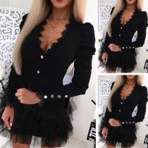 Sexy modische Minikleid mit Spitze, Zierknöpfe und Mesh-Besatz am Rockteil