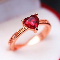 Fashion Rhinestone Inlaid Heart Ring