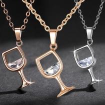 Stylische Halskette mit Weinglas-Anhängern und Zierstrass