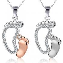 Halskette mit Niedlichen Fußanhänger mit Eingelegtem Strass