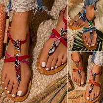 Sandalen im Böhmischen Stil mit Schlangenhautmuster und Flachem Absatz