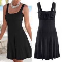 Sexy Rückenfreies Kleid mit Volltonfarbe und Trägern