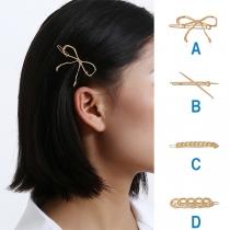 Niedliche Haarnadel in Schleifenform