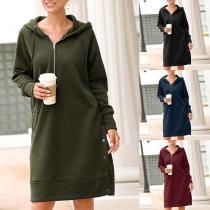 Modernes Sweater-Kleid mit Volltonfarbe Langen Ärmeln und Kapuze