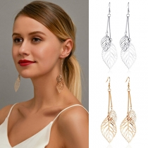 Ohrringe im Frischen Stil mit Ausgeschnittenen Blattanhängern