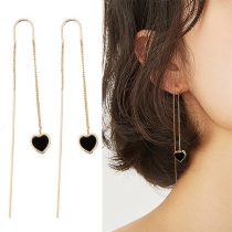 Moderne Ohrringe mit Herzanhänger