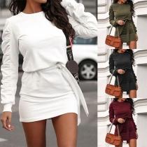 Modernes Kleid mit Volltonfarbe Langen Ärmeln Rundhalsausschnitt Schlanker Passform und Hüftband(Die Größe fällt klein)