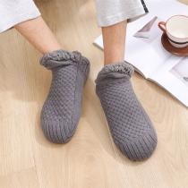 Kreative Gestrickte Socken/Hausschuhe aus warmen Plüsch in Volltonfarbe für Männer und Frauen