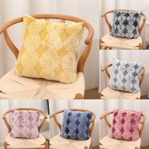 Moderner Karierter Kissenbezug aus Plüsch in Kontrastierenden Farbe