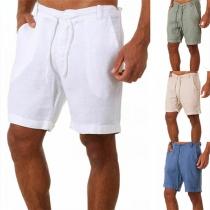 Moderne Shorts für Herren in Volltonfarbe mit Tunnelzug in der Taille