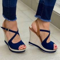 Moderne Geschnürte Schuhe mit Keilabsatz und Freien Zehen