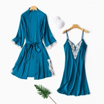 Sexy Nachtwäscheset mit Spitzendesign bestehend aus einem Nachthemd mit Trägern und V-Ausschnitt + Robe mit Langen Ärmeln