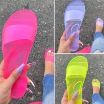 Lässiges Gummi-Slippers in Bonbonfarbe