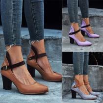 Moderne Schuhe mit Dicken Hohen Hacken Volltonfarbe und Runden Spitzen