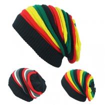 Gestrickte Hip-Hop-Mütze in Kontrastierenden Regenbogenfarben