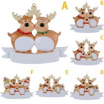 Nette Weihnachtsbaum-Dekoration in Cartoon-Elch-Form